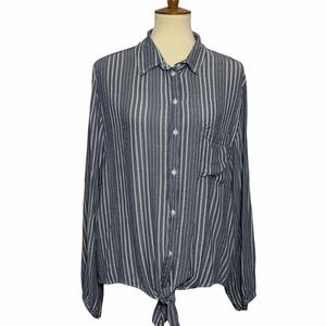 American Eagle Outfitters Button Up Blouse